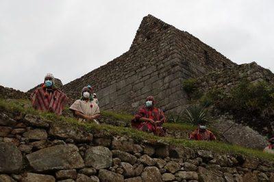 Machu Picchu reabre las puertas al turismo tras el fin de la cuarentena en Perú