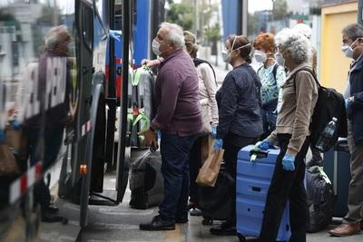Perú amplía la suspensión de vuelos comerciales con Brasil y Europa