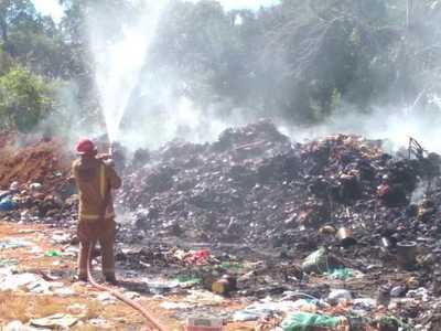 Incendio de considerables proporciones se produce en vertedero municipal