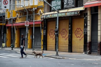 Más de 75.000 tiendas cerraron en Brasil en 2020 por la pandemia