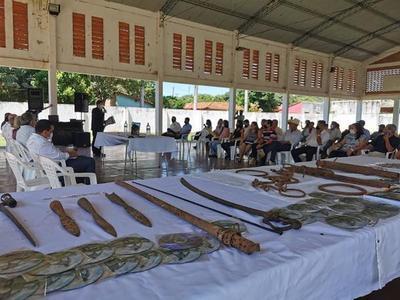 Juan de Mena: Pobladores rescatan objetos de la Guerra Grande y piden ayuda para construir un museo