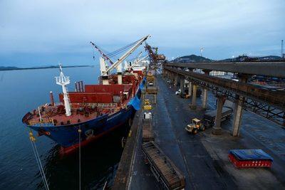 Brasil registra en febrero superávit comercial de 1.152 millones de dólares