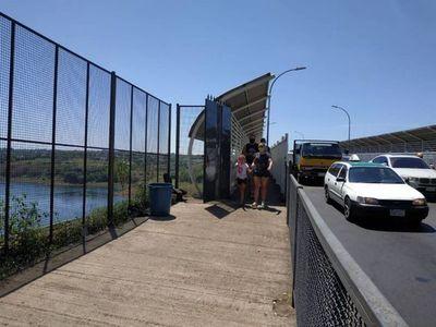 Taxistas confirman que desde el mediodía exigen pruebas de COVID en Foz