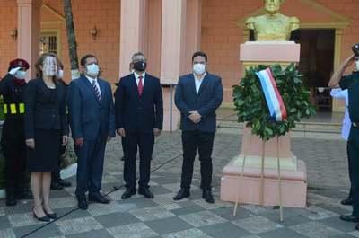 Conmemoran el Día de los Héroes en Villarrica