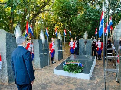 Presidente participó de la ceremonia por el Día de los Héroes en Cerro Corá
