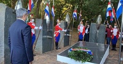 La Nación / Abdo rinde homenaje a los héroes en Cerro Corá