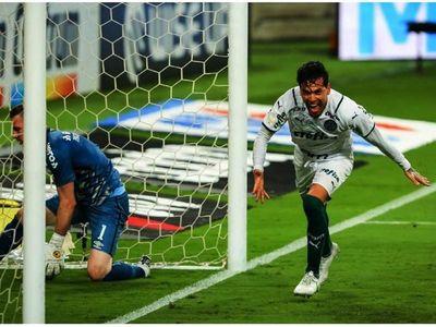 Gómez acerca al Palmeiras