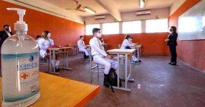 La Nación / Justicia admite amparo de 50 mil docentes