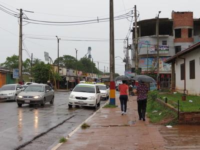 Meteorología anuncia un día caluroso y con chaparrones