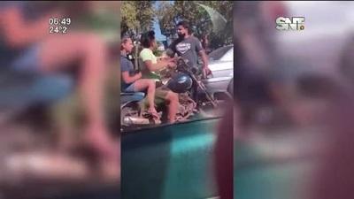 Luque: Tremenda pelea en la vía pública