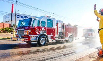 Mediante colecta, bomberos obtienen tres móviles