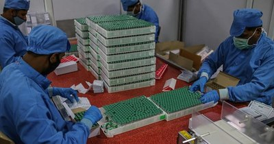La Nación / Las vacunas del mecanismo Covax empiezan a llegar a destino