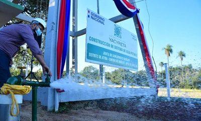 Mandatario inaugura sistema de agua potable que beneficiará a 220 familias