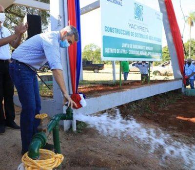 Gobierno inauguró sistemas de agua y entregó aportes productivos en jornada de trabajo