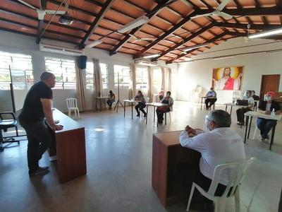 Dr. Carlos Morínigo asesoró a docentes para recibir a alumnos del Colegio Nacional – Prensa 5