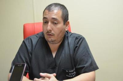 """Renuncia de director del INERAM """"No creo que renunciar sea una solución para nosotros"""", terció titular del Hospital de Clínicas"""