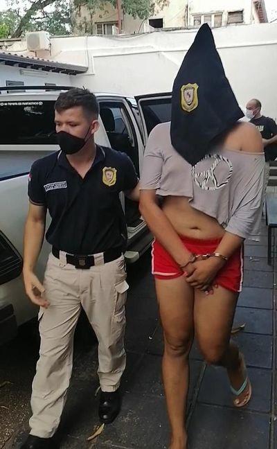 Detienen a un travesti por supuesta extorsión