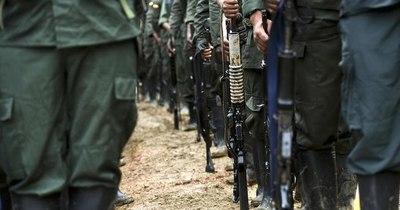 La Nación / Diez rebeldes disidentes de las FARC mueren en bombardeo militar en Colombia