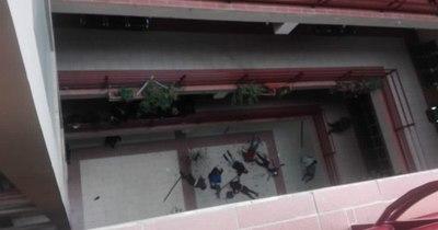La Nación / Suman siete los estudiantes que mueren al caer del cuarto piso en universidad boliviana