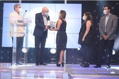 """Crónica / El canal GEN premió a los grandes """"Héroes del año"""""""