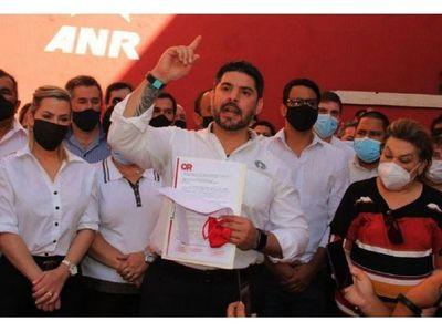Nenecho Rodríguez recibió  aportes para encarar la  campaña