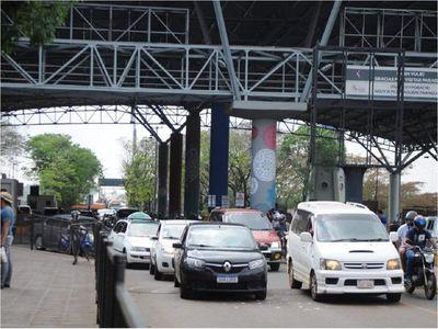 Al menos 200 paraguayos regresan por día del Brasil, según Migraciones