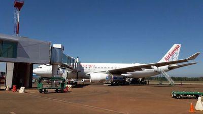 Aerolínea destaca flexibilidad de restricciones migratorias, pese a pocos vuelos