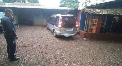 Recuperan furgón robado durante violento asalto