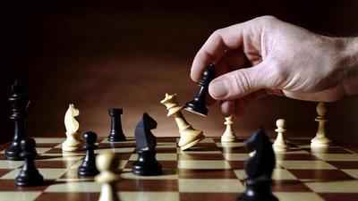 Benítez afianza su compromiso en la expansión del ajedrez