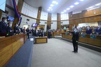 Arrecian críticas al gobierno en primera sesión de Diputados