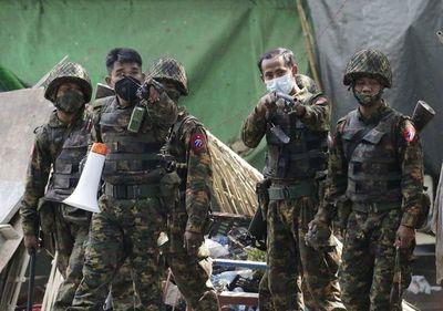 Nueva jornada sangrienta con al menos 10 manifestantes muertos en Birmania