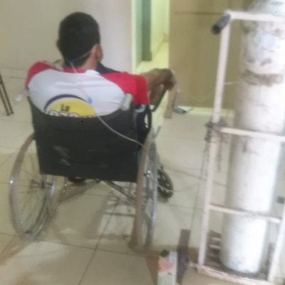Hospital de Caacupé en crisis: pacientes esperan en pasillos de urgencia con balones de oxígeno