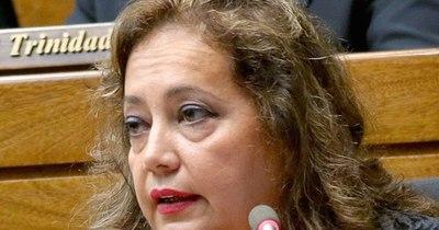 """La Nación / """"Una cosa es morir a causa del COVID-19 y otra es morir abandonada por el Gobierno"""", dice diputada"""
