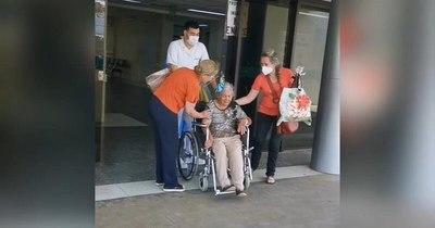 La Nación / Abuelita de Bahía Negra vence al COVID-19 y vuelve a su hogar