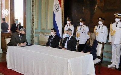 Más de 50.000 paraguayos aprenderán habilidades digitales tras acuerdo del Gobierno y Microsoft