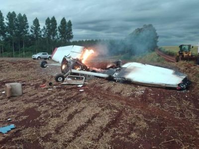 Avioneta capota en Naranjal y deja dos fallecidos