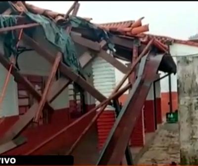 """Cae el techo de una escuela tras millonaria """"reparación"""""""