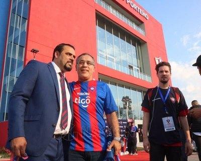 'Tigre' Ramírez felicitó a dos figuras de Olimpia