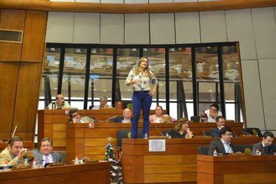COMUNICADO a la Diputada Kattya González
