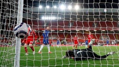 Chelsea asesta otro duro golpe a un decaído Liverpool