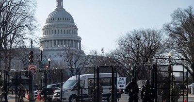 La Nación / Refuerzan la seguridad del Congreso de EEUU