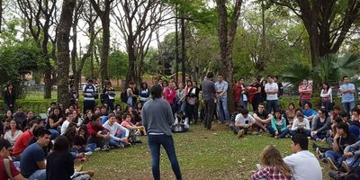 Centro de Estudiantes de Medicina UNA repudia corrupción y se une a manifestación