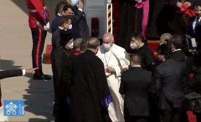 Papa Francisco llega a Irak