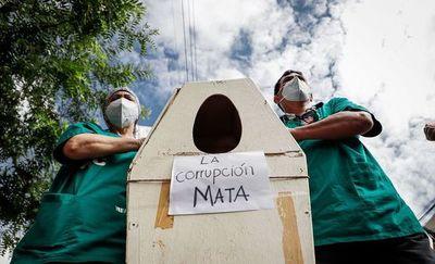 Ministro de Salud, un empleo de riesgo en Latinoamérica