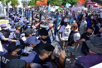 Incidentadas protestas en Formosa por vuelta a fase 1 de la cuarentena