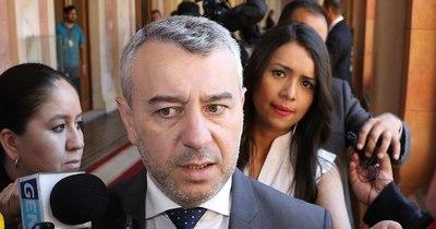 La Nación / Centurión asegura que Abdo pone el Estado a disposición de su campaña electoral