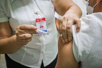 El miércoles comenzarán a aplicar las vacunas donadas por Chile