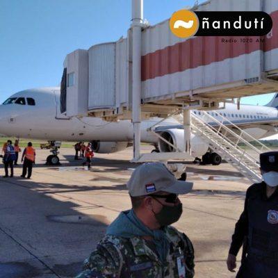 Paraguay recibe 20.000 dosis de vacunas contra el COVID 19 donadas por Chile