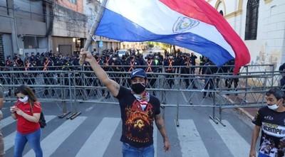 (Videos) Marcha, cánticos y rap de autoconvocados: piden la  salida de Abdo Benitez