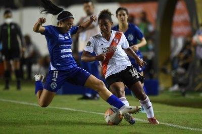 En su debut en la Libertadores, Sol igualó ante River Plate